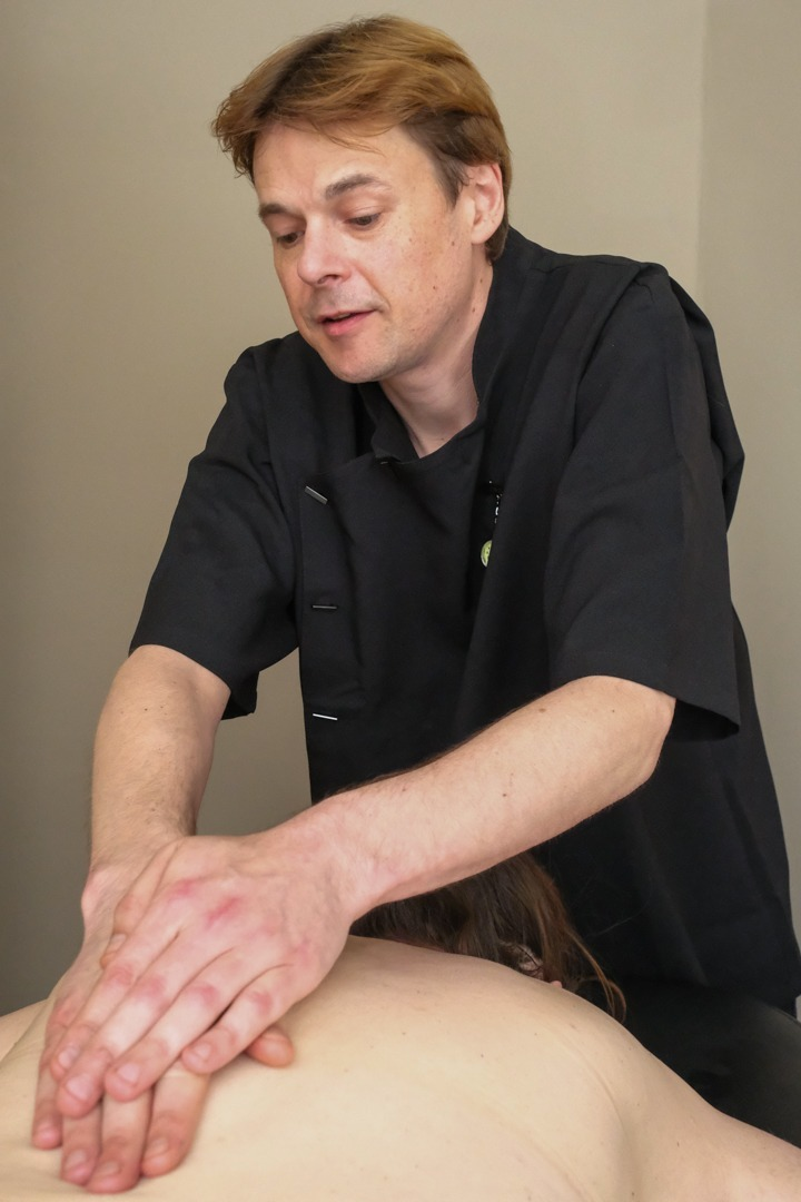 massage-for-back-pain